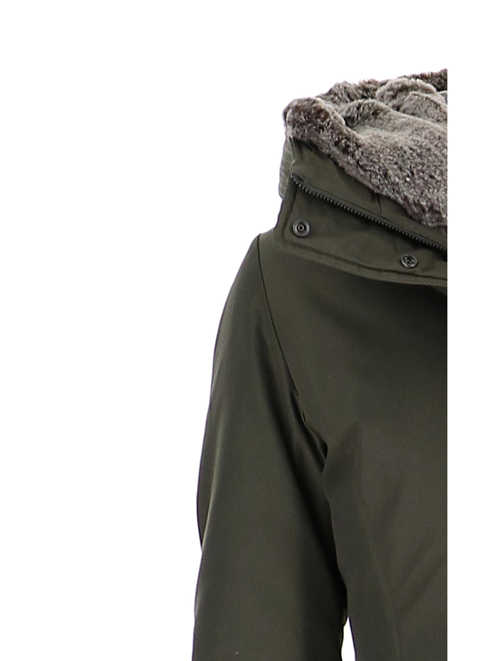 hot sale online 250d4 03729 Giubbini Verde 10 E Militare Donna Giacche Woolrich mwN80vOn